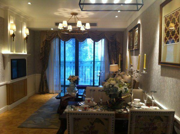 广州5米层的复式公寓 现在在金龙城财富广场热售中