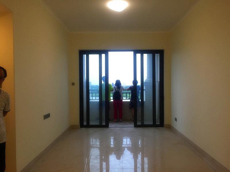 美林湖精装舒适两房 一线望湖 全新未入住学位房 度假养老手选