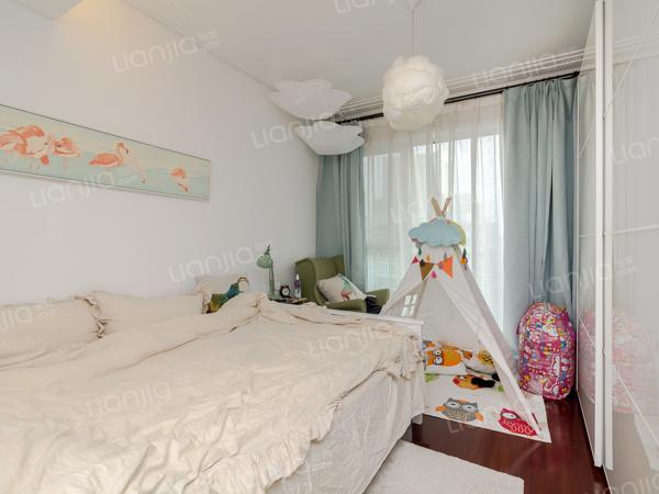 为你而选为你为家 华彩国际公寓 1室1厅 52平