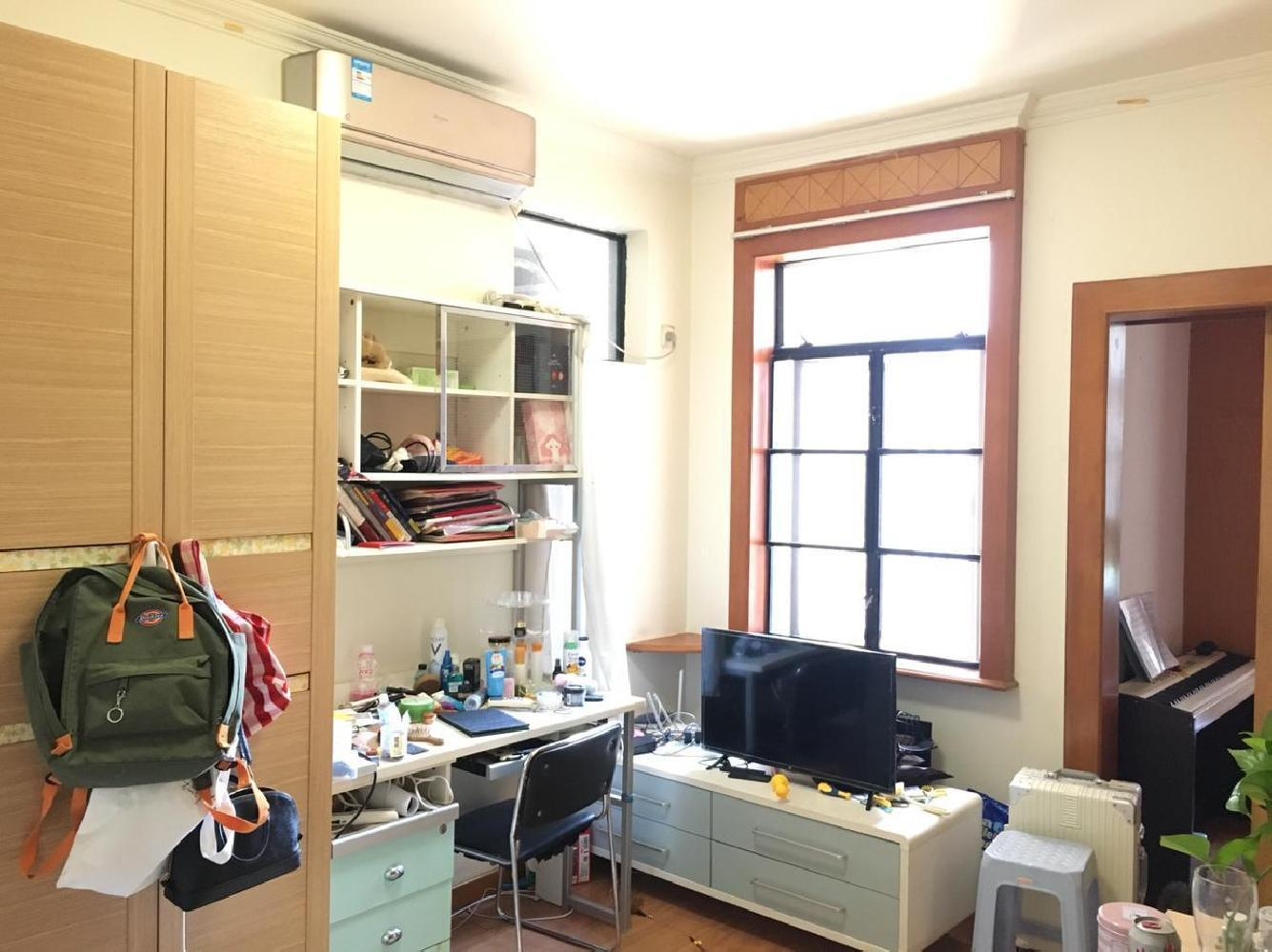 丽江德字楼 温馨一房 格局方正 配套完善 交房方便122万卖