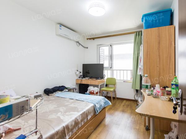为你而选为你为家 南北向两居室 简单装修 中间楼层视野好