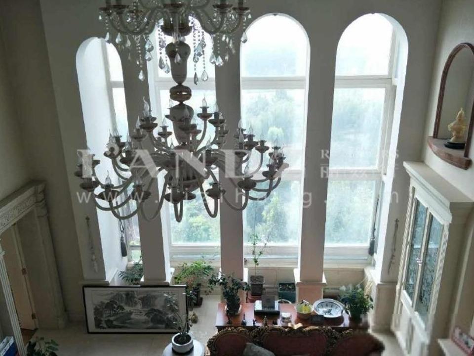 单价8.6万+照片实拍+两套打通+客厅6.4挑高+全套房设计