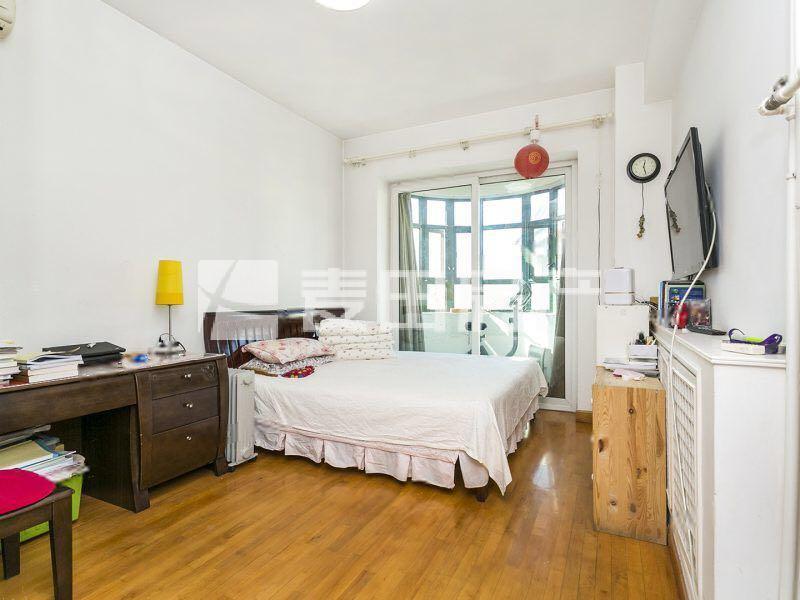嘉林花园三居室 无个税 带阳台 位置安静 全明格局 使用率高