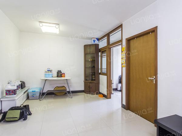 为你而选为你为家 七里庄近  南北通透 明厨明卫的一居室