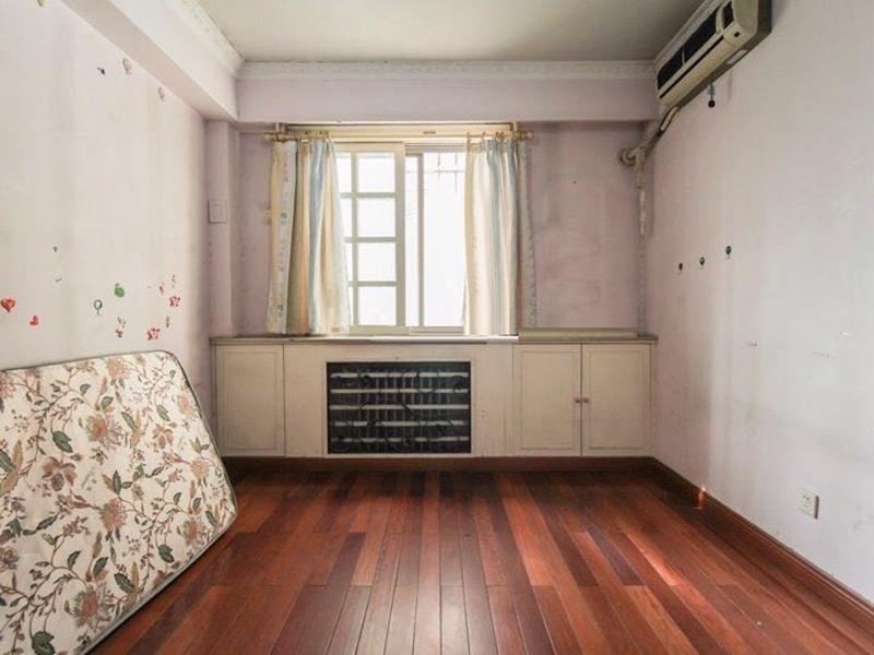龙兴园南区 3室2厅2卫