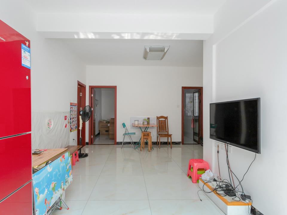棠德花园 中楼层 单边位置 新装修 正规两房 采光通风好