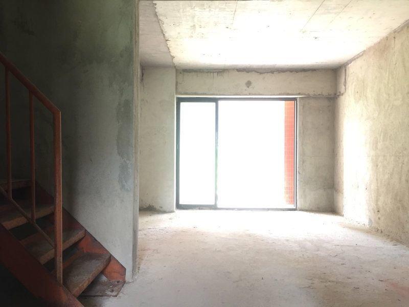 君华御府  东南向 73平方 复式三房 230万 业主急卖