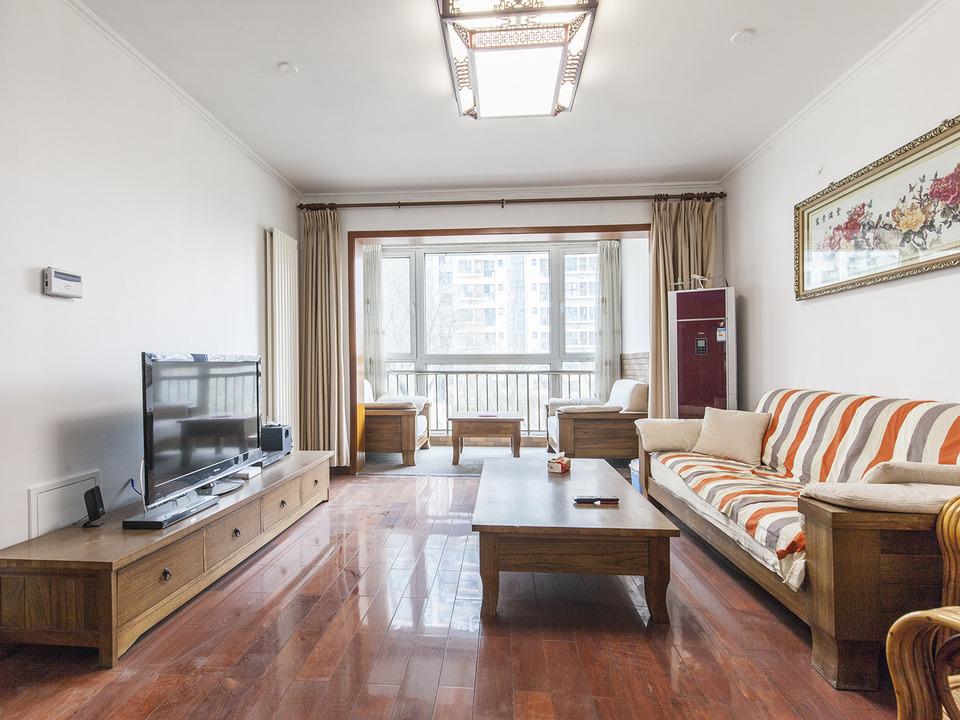 一品亦庄餐厨一体119平米大两居主卧室带眀卫 满五年仅一套住宅