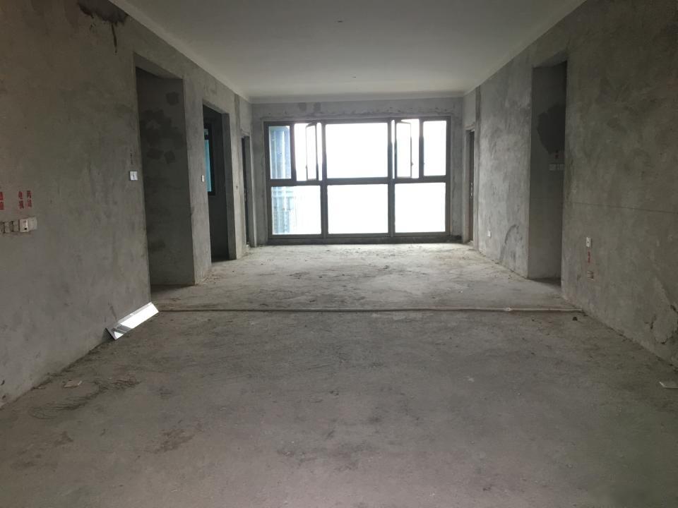 雅居乐富春山居 地铁口 高楼层 183平大四房 仅售620万