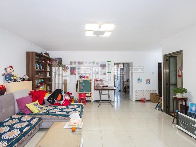 4层三居室+双卧朝南+婚房装修+临13号线和新龙城+看房方便