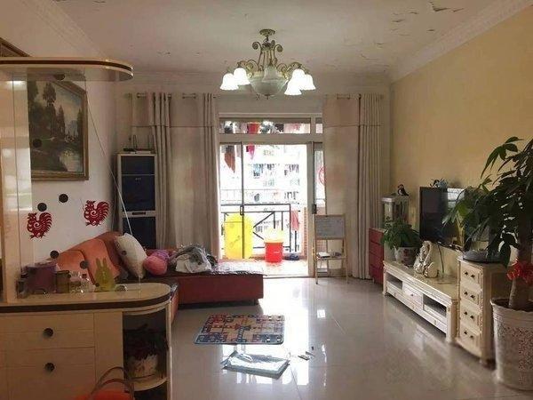 洛涛南区  三房 中间位置 少有房源 看房方便