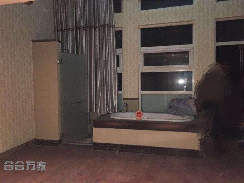 70年大产权loft 售价165万 看房随时 业主诚售