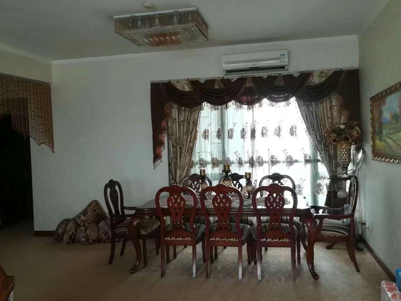 逸翠湾 中高层四房带主套 单价低 保养新净 诚心出售