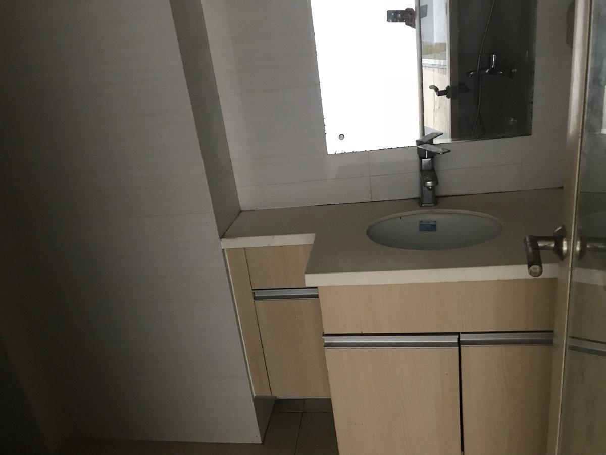 宏城汇精装1房1厅出入便捷高楼层