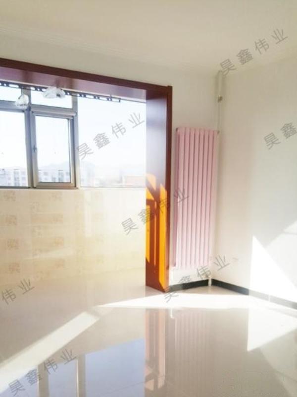 售燕房路小区2室1厅户型方正位置好,交通方便购物便利