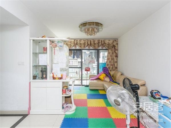 坑口 芳村花园3室,居家适宜,,350万元圆梦好房!