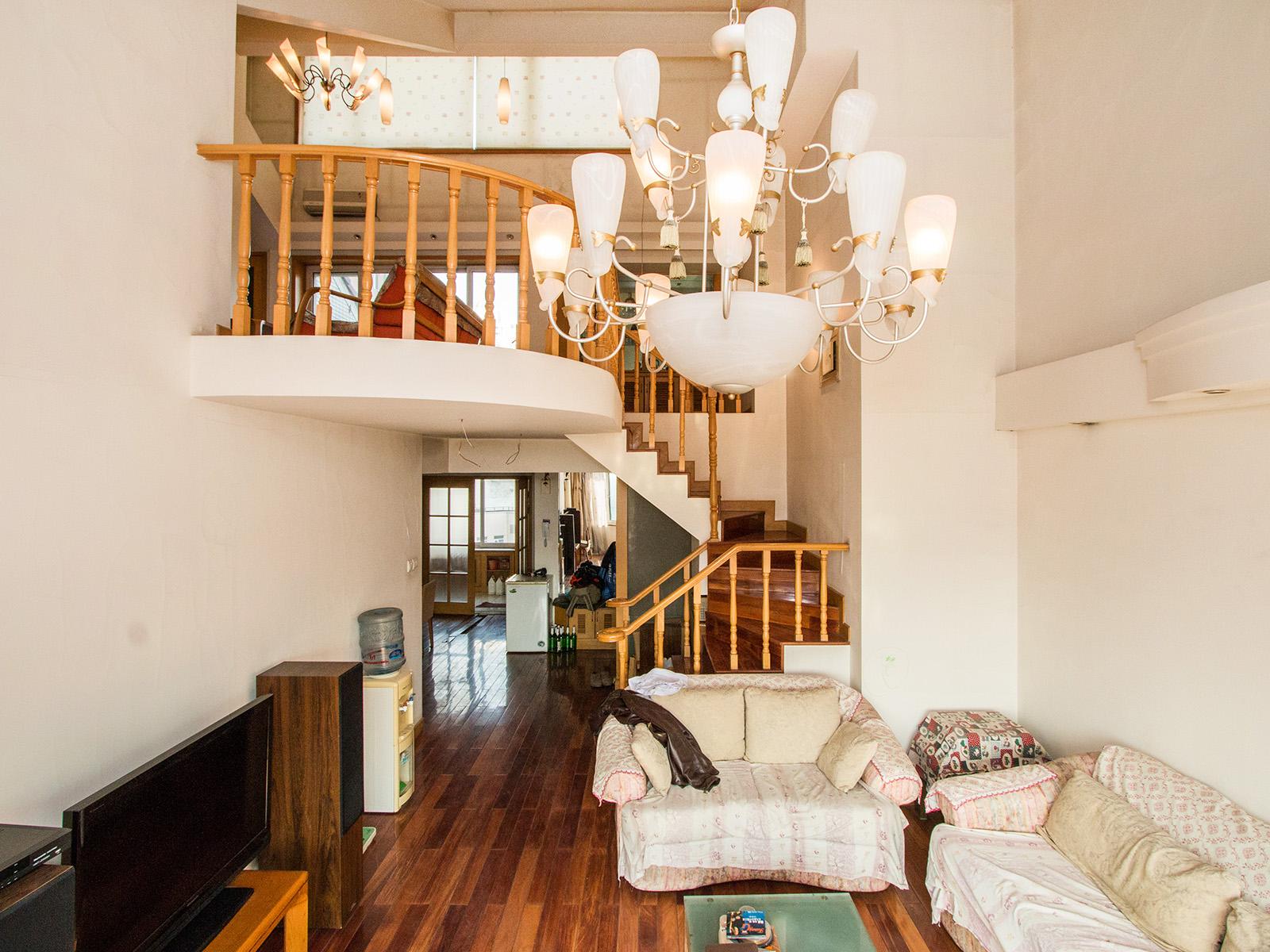 大西洋单价8万多的房子 南北通透,送双露台,顶层复式六居室