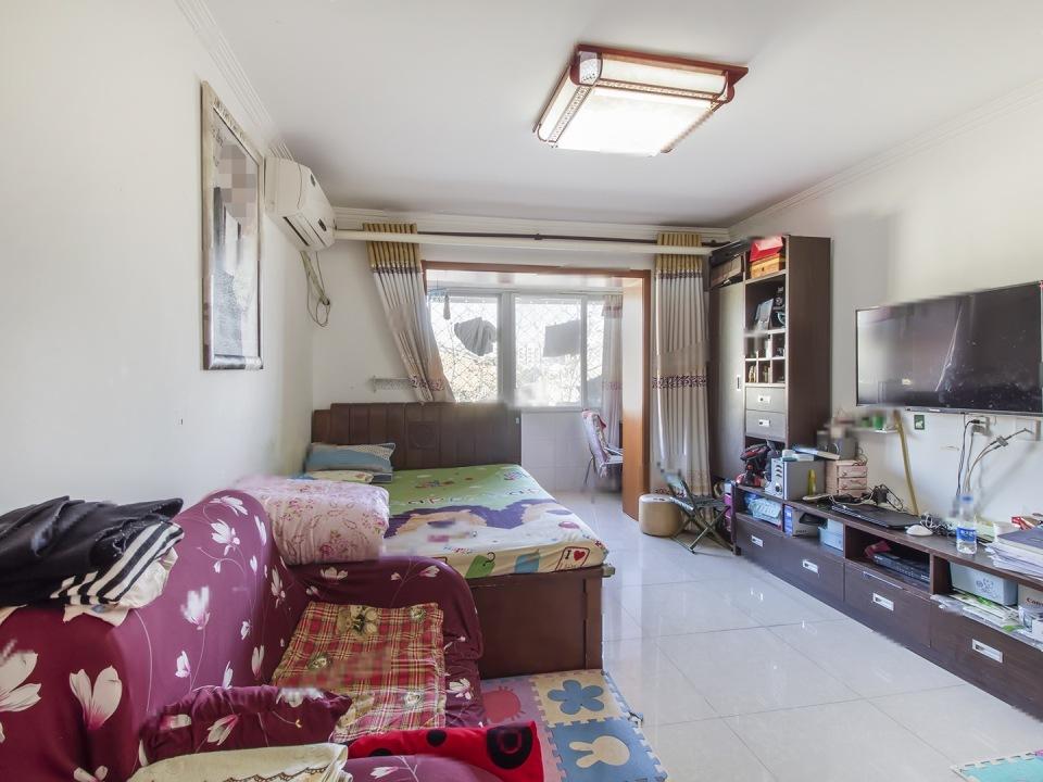 新桥东街 一居室 小户型 东向 189万诚意出售