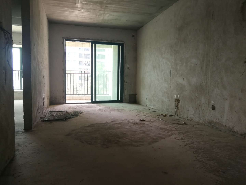 雅居乐锦城三房,安静不靠高铁,学位未占用,采光充足,交通方便