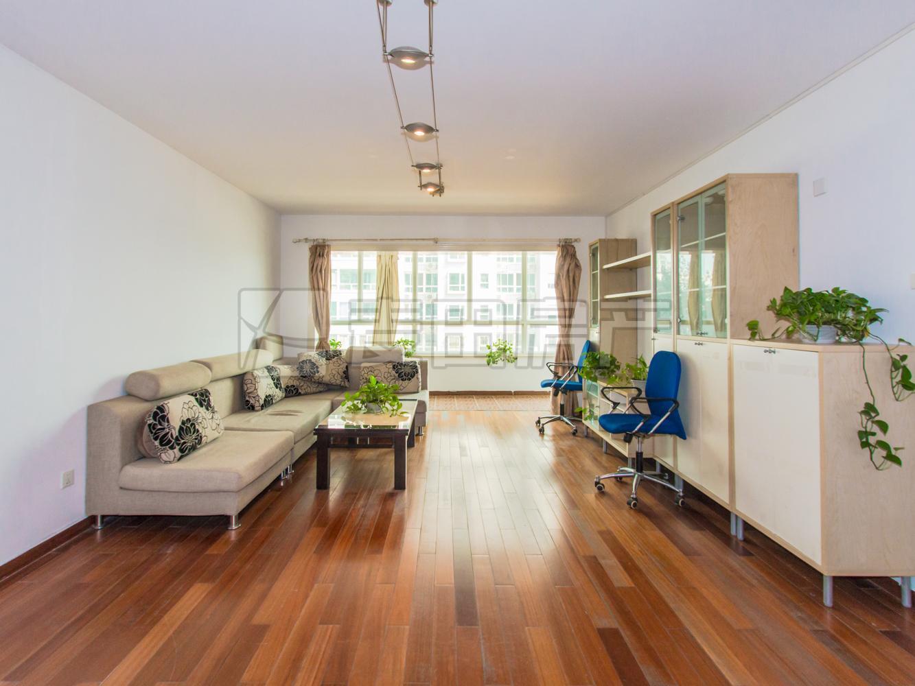 阳光都市、单价8万、可以改3居室、观小区花园、超大阳台送佣人房