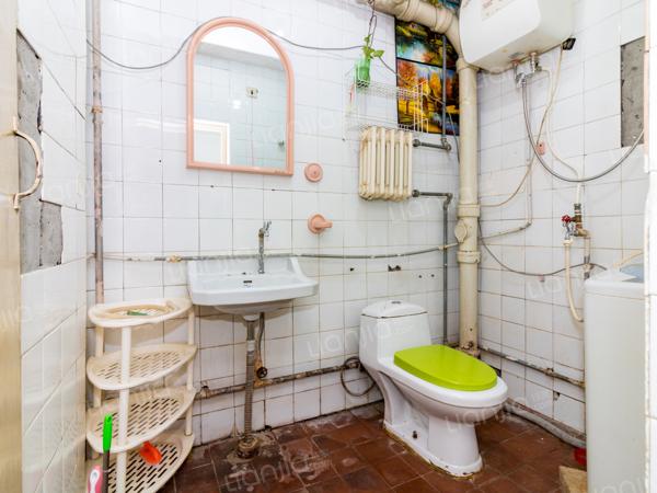 为你而选为你为家 矩阵一期双卧朝南中间楼层两居室满五年