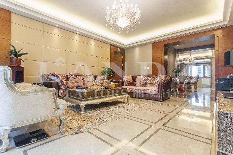望京金茂府,10层,四居,双卧客厅朝南,有房本,带车位