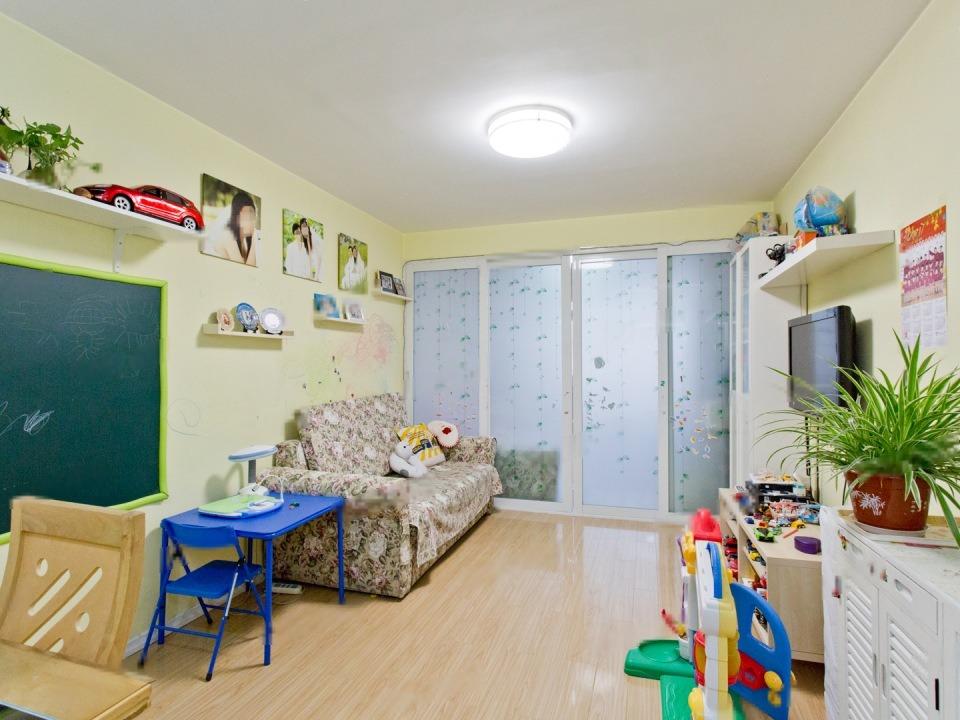 永泰东里 2室出售 户型方正 南北通透朝向  满五年