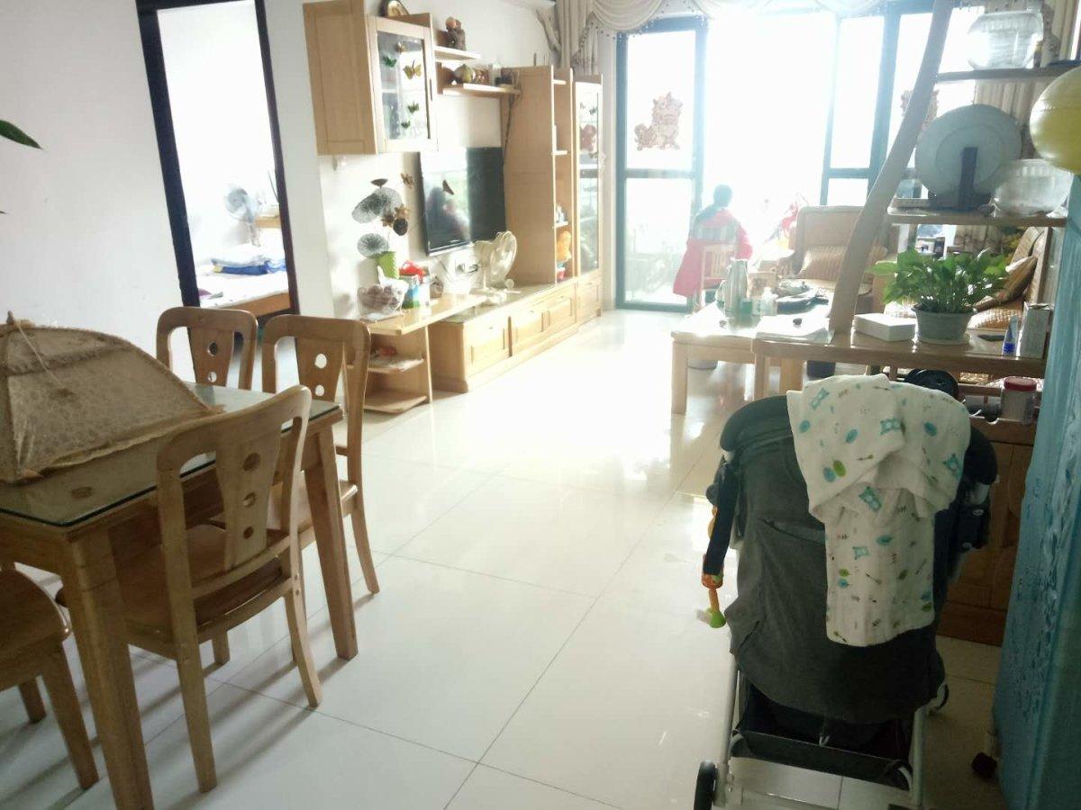 新塘新世界花园精装修,房东急售,当居住融入环境,心也随之淡定