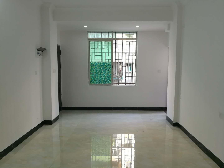 旧区,凤华花园,精装2室,东南向,总价足够低,还在犹豫吗?
