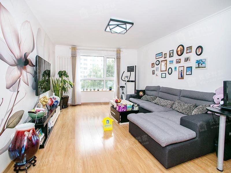 新景家园东区16号楼 商品楼 双卧室+客厅 南向 双卫