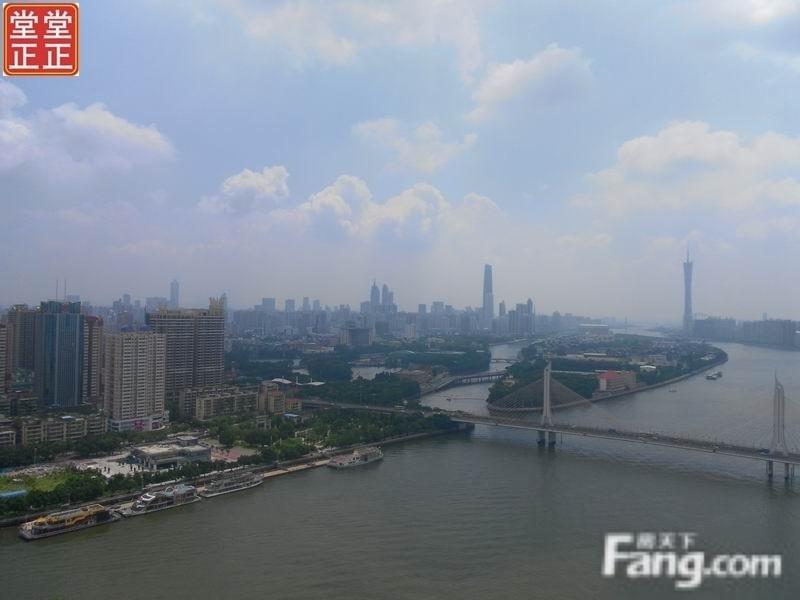 花城湾畔 一线江景  185方仅售750万 证过5年