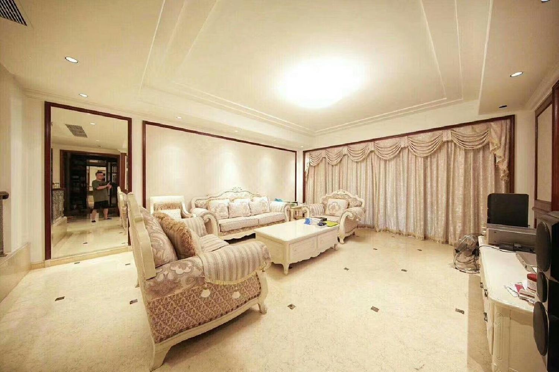 星河湾 星座园251平 4房2厅一楼带100多平花园 税费低