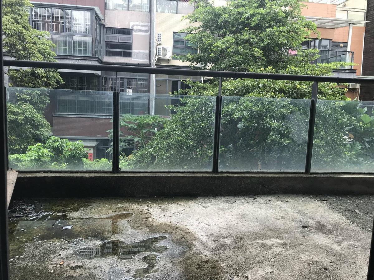 时代倾城别墅,上下5层,出门口百来米就是地铁口,闹市中的宁静