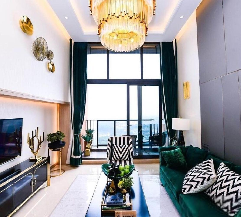 万博现楼 90方 复式4房公寓 有140方使用率 可个人买