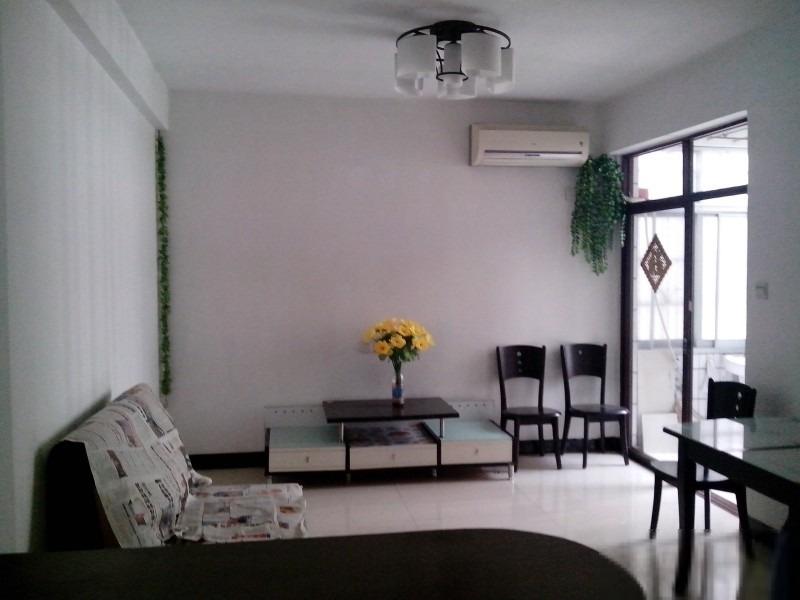 白云明珠广场2室出售, 装修,南北通透,不要错过。