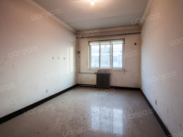 为你而选为你为家 佳世苑南北向三居室,采光好,看房方便