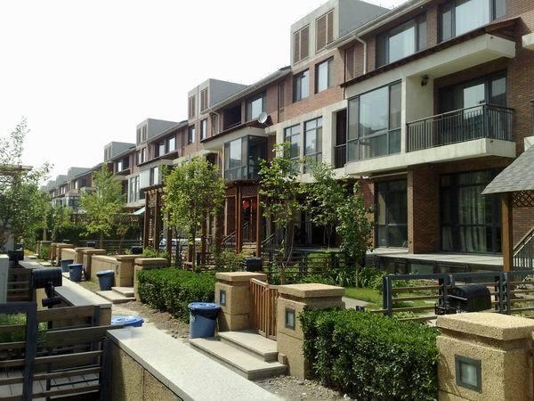 清花园新出带电梯联排别墅+前三后四设计+5居设计+同看恒大丽宫