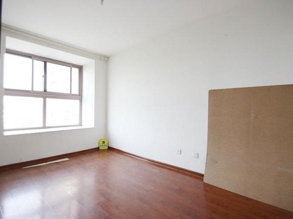 满五一套住房 房子户型很好 两居室 东北向87平