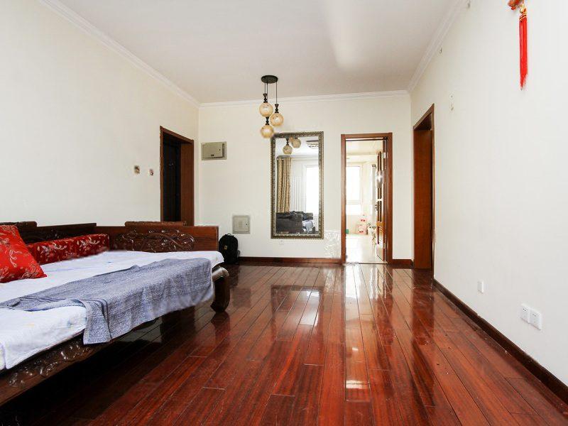 精装两居室,别墅区中的电梯观景洋房