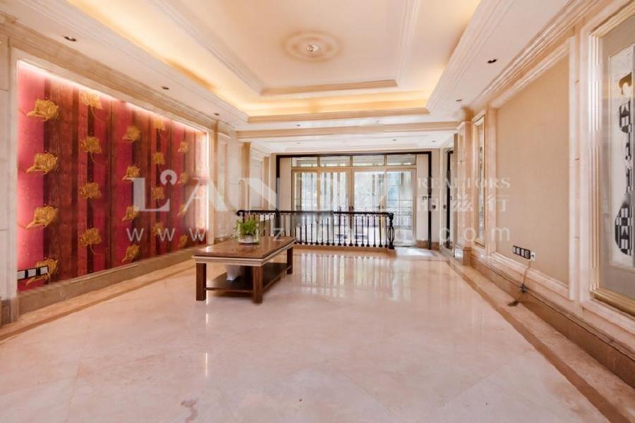 星河湾4号楼新出+双卧夹客厅南向+带花园55平+南北东三面采光