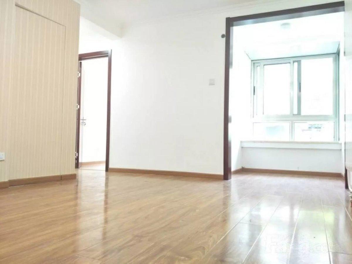 天桥南里南北通透两居室,精装修一层,紧临地铁7号线和8号线