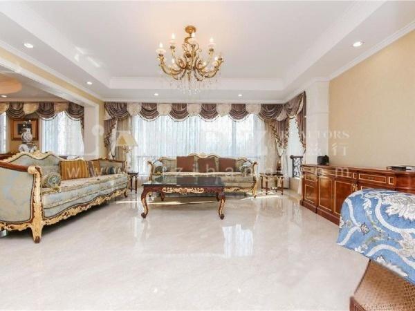 北四环,单价9万,诚意在售的大四居,含有双车位