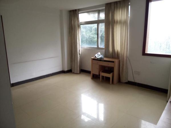 怡康花园 1房1厅 户型方正 装修干净 价格划算