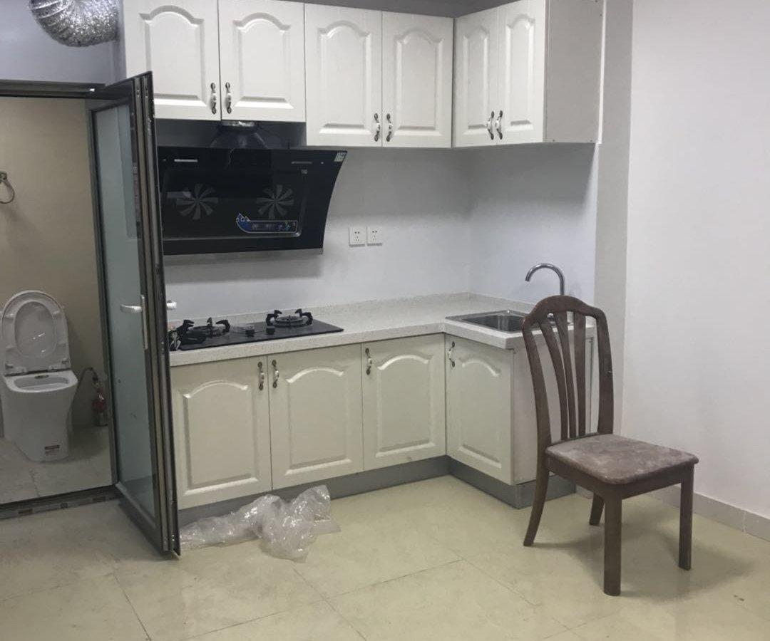 西城什刹海  紧邻后海 内二层 整体厨房 卫生间带马桶