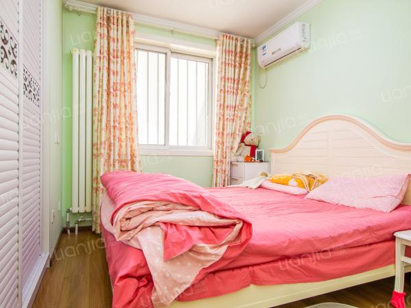 为你而选 集中供暖 精装修 飘窗 正规一室