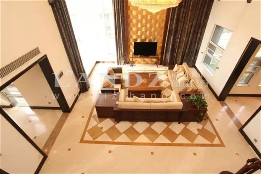 大独栋客厅8米挑高!全地上格局!大花园700平!