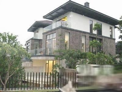 颐和高尔夫庄园 一线湖边 独栋别墅 位置1500方使用面积