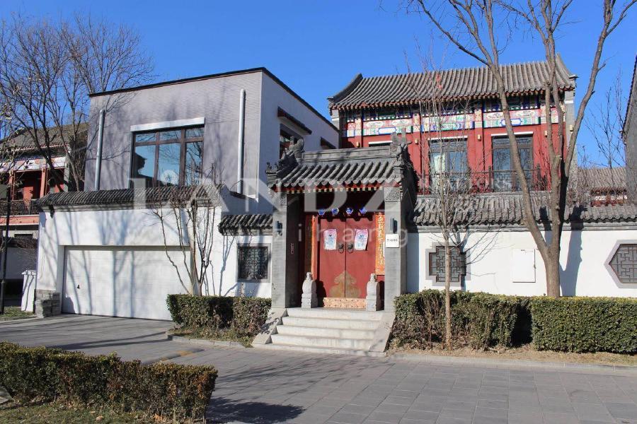 观唐,中式大宅门,5房朝南,500万精装修,四周花园