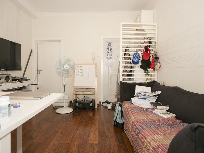东南小区精装两居室全明格局,看房周末和晚上方便