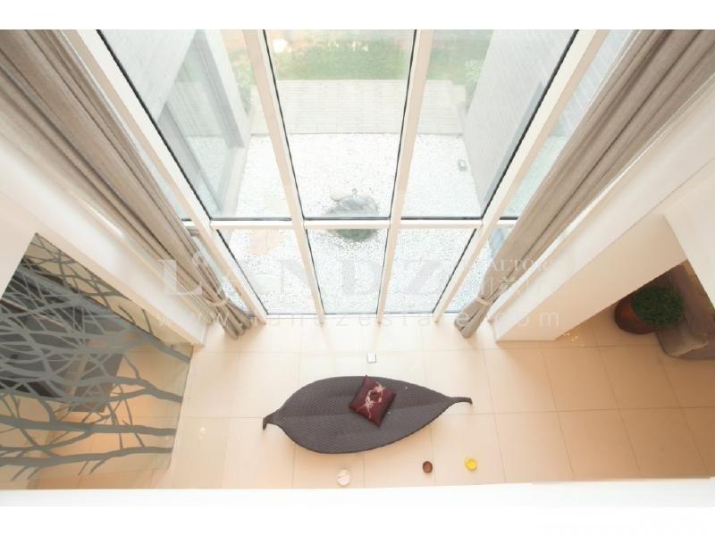 毛坯可自行设计,客厅7.5米挑空,二期中式  南向400平大花园